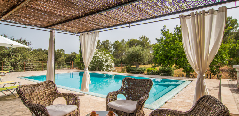"Rural villa ""ses murteres"" costitx in the mitte of mallorca for 8."